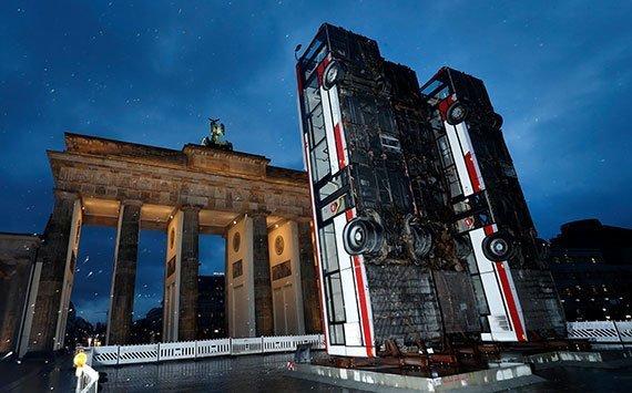 «Monument» de Manaf Halbouni en Berlín