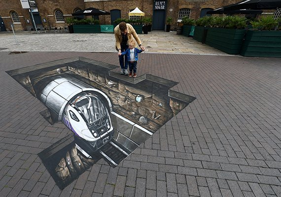 Street paint de Mike Clueless en Londres